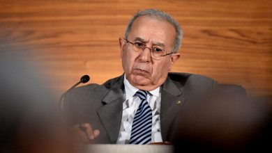 Photo of لعمامرة: الجزائر تدعم عودة سورية للجامعة العربية